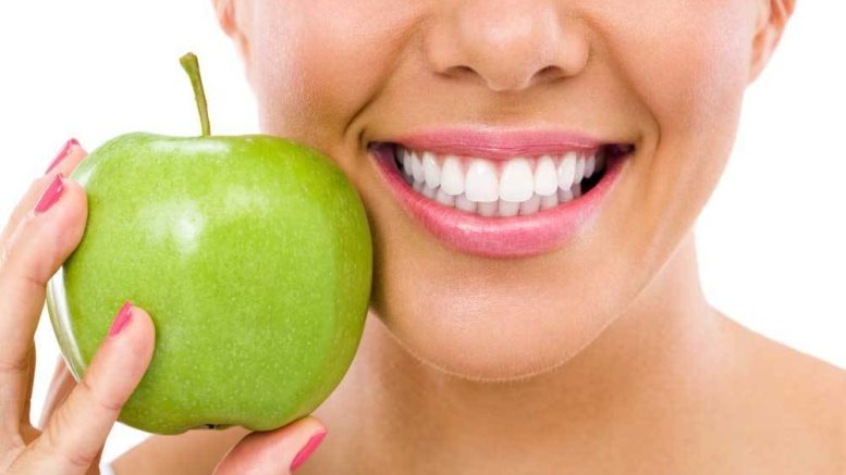 10 Natural Home Remedies To Whiten Teeth